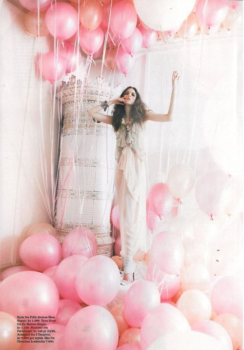 pink balloons: Birthday, Senior Pictures, Pink Balloon, Idea, Pastel Balloon, Fashion Photography, Pinkballoon, Photo Shoots, Pink Parties