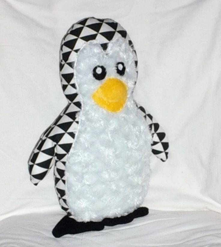 Coussin pingouin, coussin doudou pingouin pour enfant : Textiles et tapis par paquita-14400