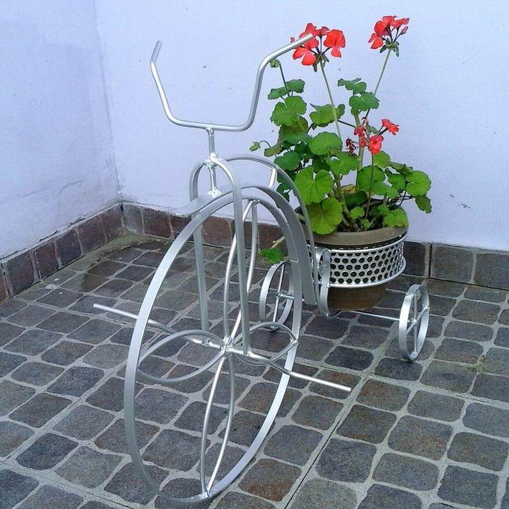 45 mejores im genes de ideas de jardiner a en pinterest - Maceteros de hierro ...
