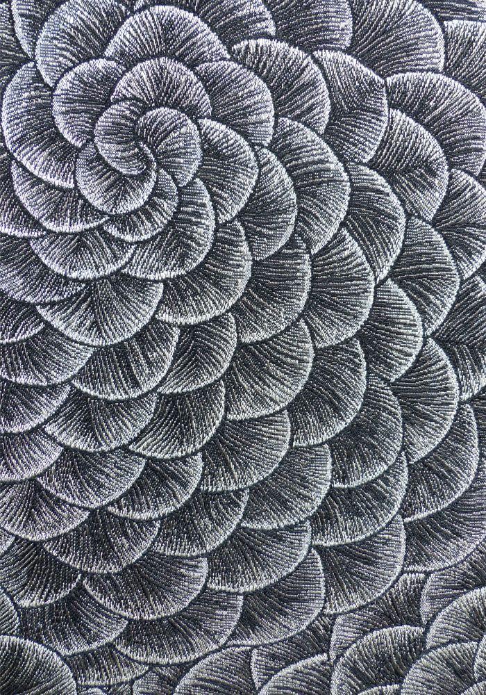 Karin Sajo, fleur d'écailles