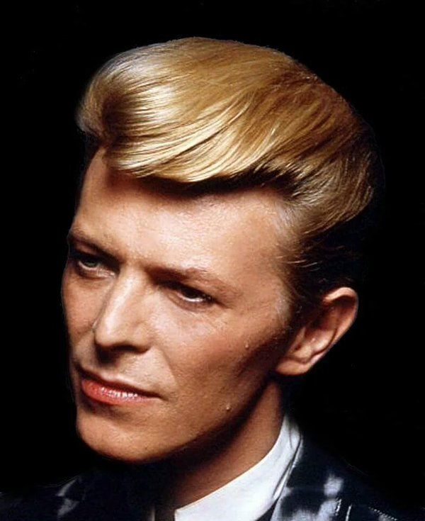 """""""..Love me, say you do Let me fly away with you For my love is like the wind, and Wild Is The Wind..."""" #DavidBowie MyBowieCollection (@DavidBowieColl) 
