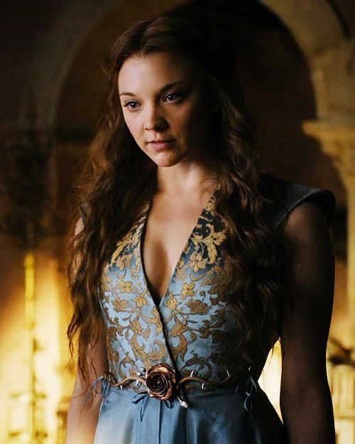 One of Margaery Tyrell's many dresses; I love the belt and the cut of the dress. Really I love all her dresses, but this one is particularly close to my heart.