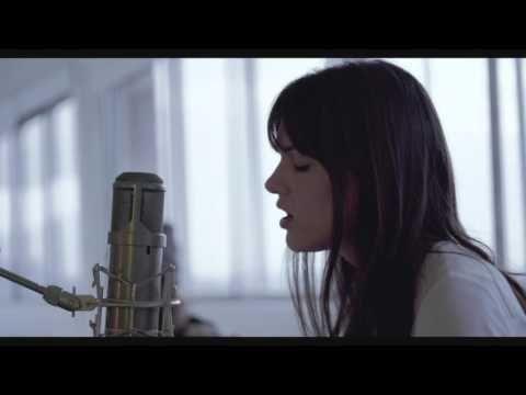 (102) Charlotte Cardin - Les Échardes (Live) - YouTube