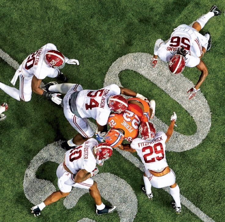 Alabama crushes Florida in the 2016 SEC Championship - Sports Illustrated College Football Playoff Preview #Alabama #RollTide #Bama #BuiltByBama #RTR #CrimsonTide #RammerJammer