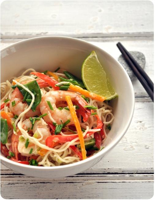 Nouilles chinoises aux crevettes, lait de coco et curry vert