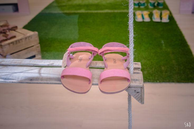 Le Coq d'Inde, belles chaussures & déco rétro-récup'   Sève & Déco #toulouse #shoesstore #Timberland, #Pichotto #Faguo #New Balance #Anniel