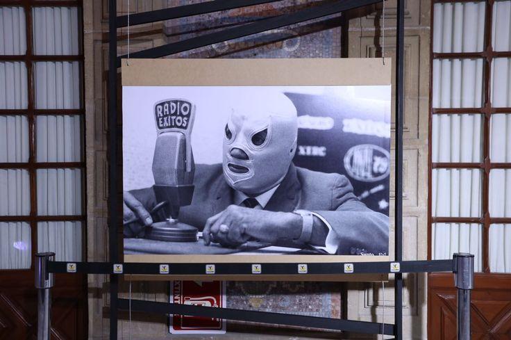 Exposición fotográfica en homenaje a El Santo, el Enmascarado de Plata