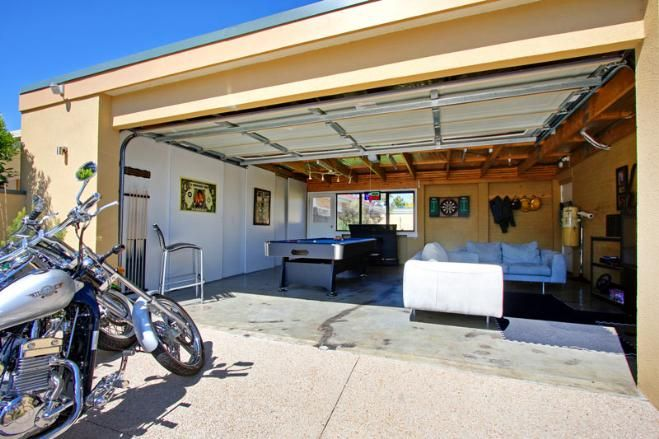 Home Video Game Room Ideas | Blogger: Converting your Garage into a Game Room | Home Staging, Home ...