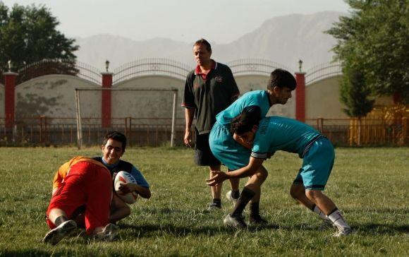 Anche se altri sport - come il cricket ad esempio - sono predominanti in Afganistan, un piccolo, crescente, gruppo di uomini ha abbracciato il rugby, sperando, in futuro, di potersi unire all'International Rugby Board, che, dal canto suo, sta investendo per ampliare la penetrazione di questo meraviglioso sport nei paesi asiatici.    Continua...