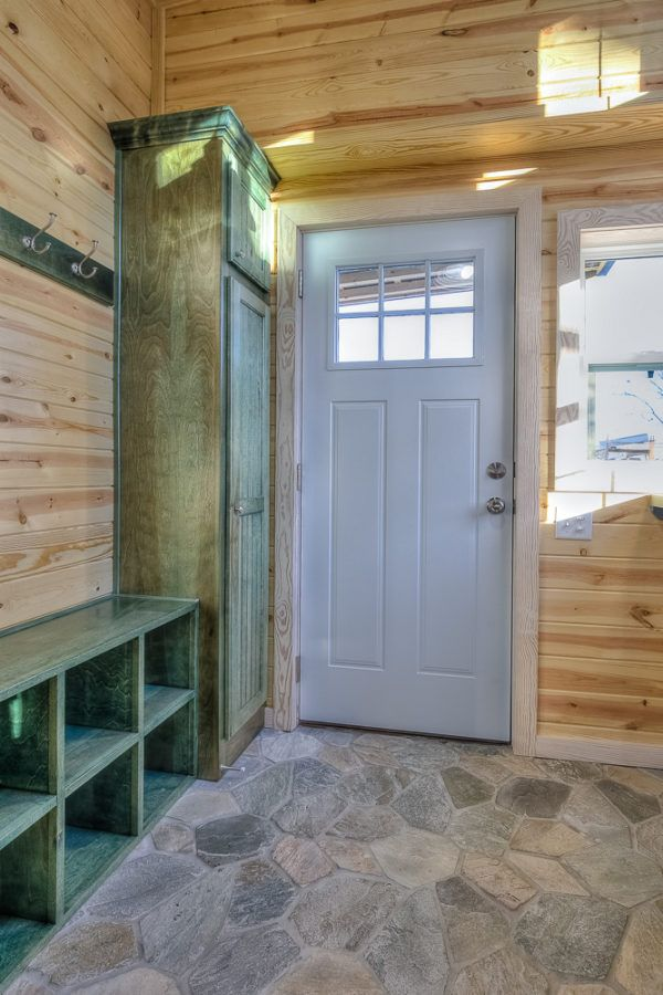 double-wide-container-house-with-rustic-interior-011