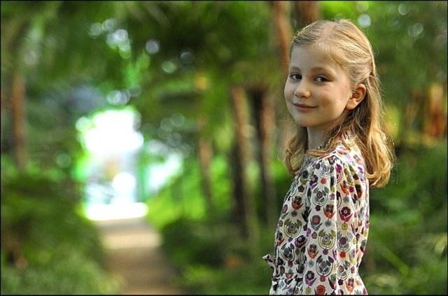 Novas fotos oficiais da Princesa Elizabeth para comemorar os seus 10 anos - Outubro 2011