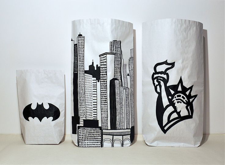 Nowy Jork, NY, Batman, Gotham City, Wieżowce, Statua Wolności #paperbags #storage #kidsdesign #szaryfika #blackandwhite #handpainted #ny #newyork #batman