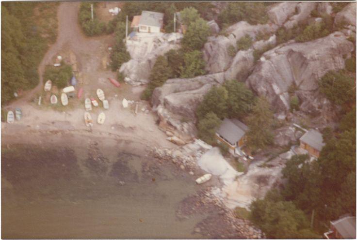 Svinevika anno cirka 1973.  Idyllisk vik nord for Kjerringvik i Tjølling.