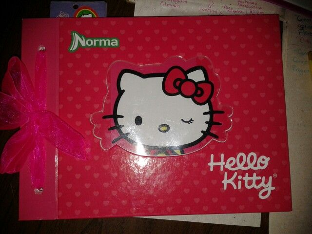 My Hello kitty planner. Red with pink bow. Mi Agenda 2015 con moño Hello Kitty Editorial Norma. Color rojo con moño rosa