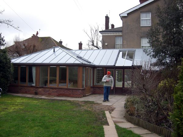 Small extension zinc roof extention avec toiture zinc for Extension toiture
