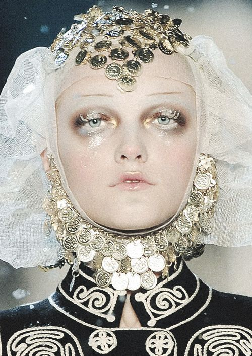 Frosted Russian princess Vlada Roslyakova at John Galliano Fall 2009 More