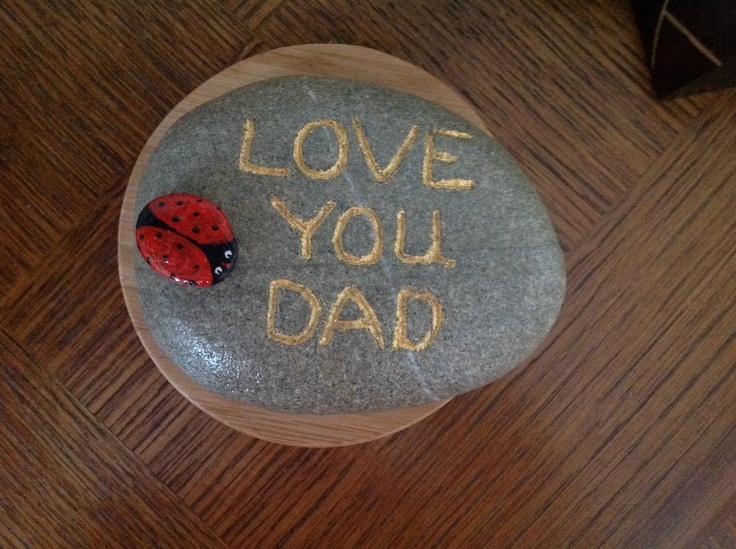 A lovely stone for my dad , I engraved it then used gold leaf and the varnished. Love the result and then of course painted a wee ladybird