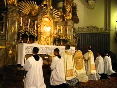 ▶ Tantum Ergo Sacramentum - Gregorian Chant - YouTube