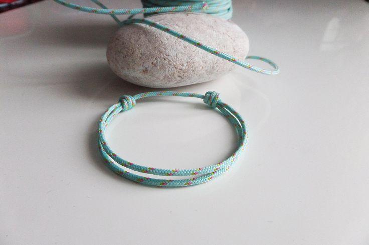 les 25 meilleures id es concernant bracelet nautique sur pinterest bracelets tress s bleu. Black Bedroom Furniture Sets. Home Design Ideas