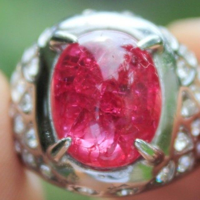 RED RUBY RETAK SERIBU #gemstone #stone #ruby #batu #batumulia  #topaz #amethyst #stones #instajewelry #fashion #accessories #jewels #stylish #crystals #gem #fashionjewelry #style #jewel #jewelrygram #gems #crystal #jewelry #indonesianstone #indonesia #purbalingga #sapphire #redruby #rubystone #red #emerald