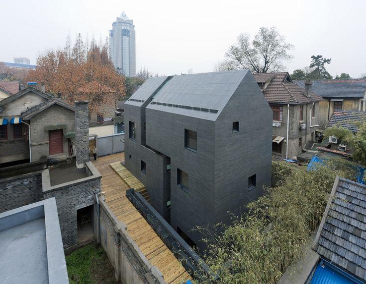 concrete slit houseArchitectureinterior Design, Concrete Slit, Modern Architecture, Slit House, Azle Architects, Architecture Ideas, Modern House, Concrete House, Ate Zhanglei