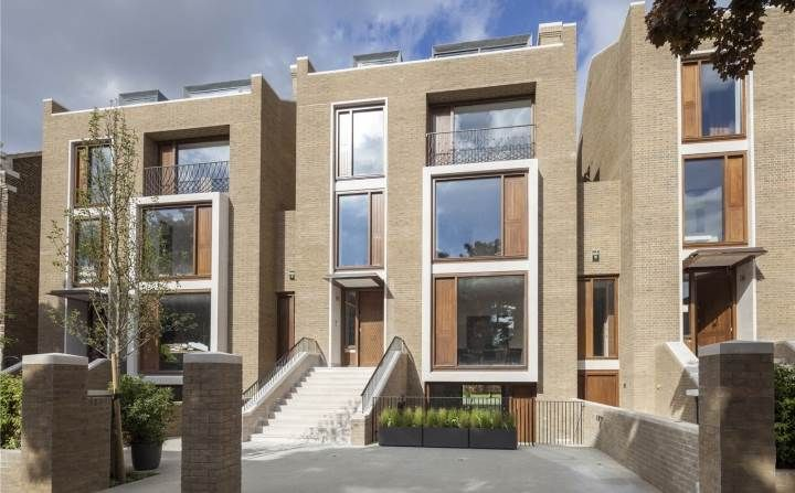 Contemporary version of a classis town house