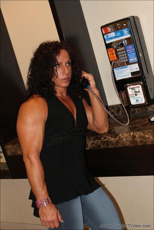Annie Rivieccio | Annie Rivieccio | Bodybuilding, Muscle ...