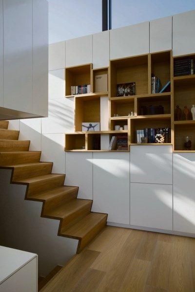 BINNENKIJKEN. Strakke villa met kasten als eyecatcher - De Standaard: http://www.standaard.be/cnt/dmf20161223_02642378