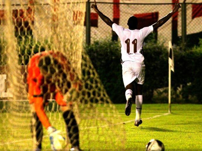 Meia Gerson marcou os dois gols do Fluminense diante do Criciúma pela Primeira Liga
