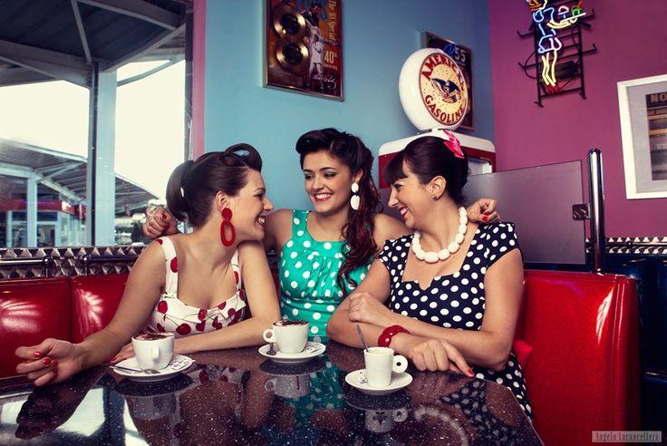 Les Pin-ups au Memphis Coffee Narbonne sur http://les-pipelettes-de-narbonne.com/