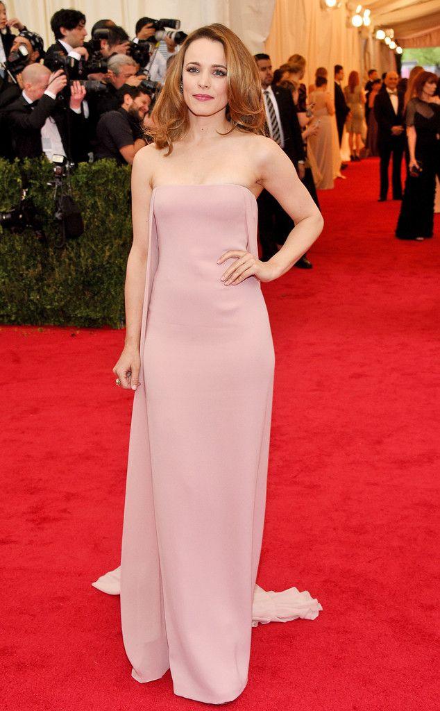 At the Met Gala, Mean Girls star Rachel McAdams wears pink.