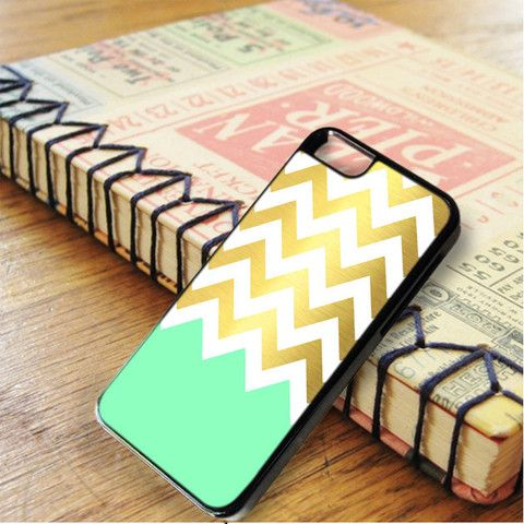 Gold Chevron Green Light iPhone 6|iPhone 6S Case