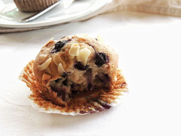 Muffin di farro | Mirtilli e Mandorle