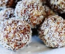 Recipe Coconut balls by Beks02 - Recipe of category Desserts & sweets