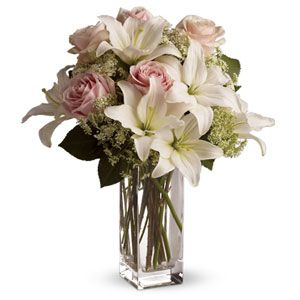Heavenly hues and pretty petals are in perfect harmony in this gorgeous arrangement. Lovely for a birthday, anniversary or just anytime......