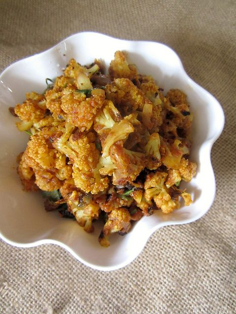 Dry Cauliflower Sabzi {For Roti}