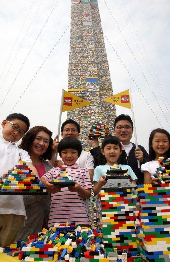 112888-1_tallest_Lego_tower_Seoul_South_Korea