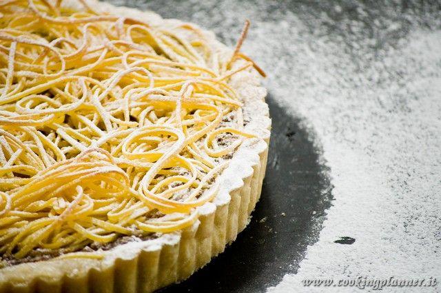 Torta di tagliatelle.  Dolce tradizionale bolognese.