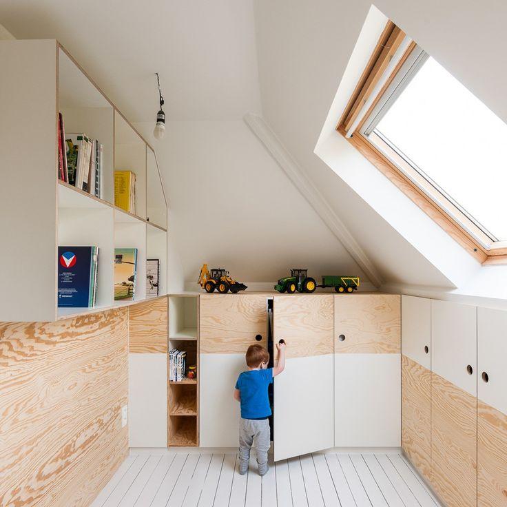 Les concepteurs belges de Van Staeyen Interieur viennent de nous faire parvenir leur dernière réalisation, la transformation des combles d'une habitation e