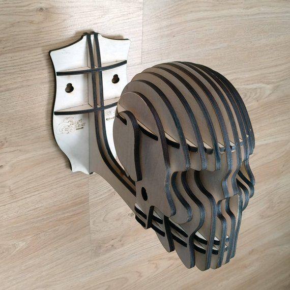 Assist mural casque tête de mort. Cintre pour casque de moto. Assist de casque. Porte-casque. Porte-casque