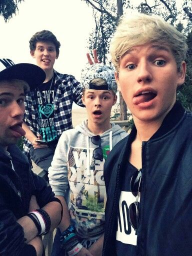 Does anyone else like The Tide?? Or know who they are?  Haha love them!