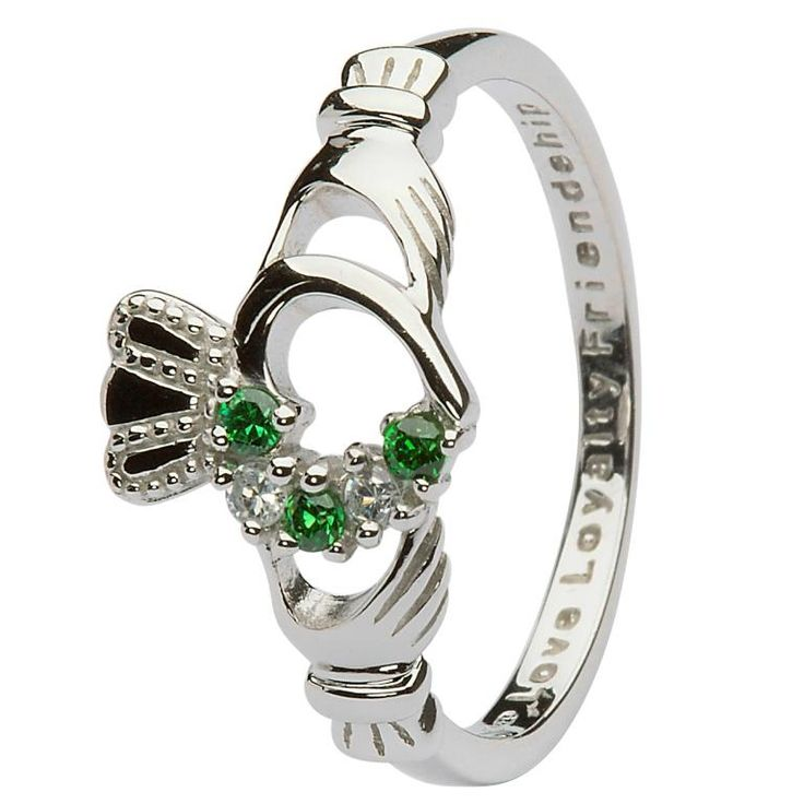 The most GORGEOUS silver, emerald & diamond Claddagh Ring this Irish lassie has seen in all her 51 years o'life to be sure!