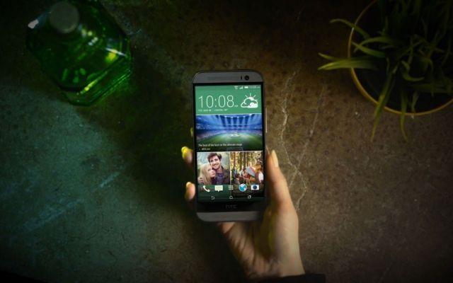 HTC presenta il nuovo One M8, un nuovo smartphone con 2 sorprese..