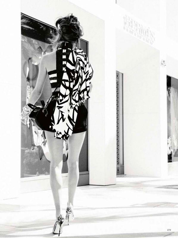 Alessandra Ambrosio: Harper's Bazaar Russia February 2014