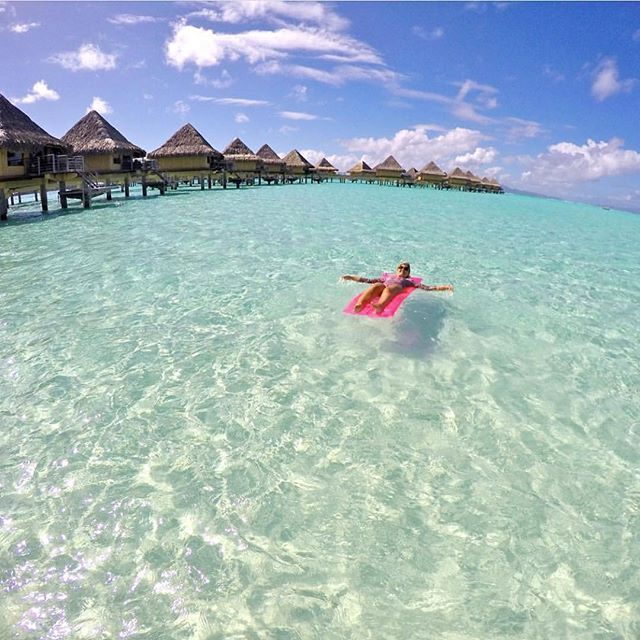 Bora Bora - French Polynesia  Credits ✨@loucosporviagem✨ . #beachesnresorts for a feature