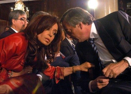 NOVIEMBRE 4, 2005 ALCA: Néstor Kirchner en la IV Cumbre de las Américas en Mar del Plata  (Rechazo-al-ALCA-en-la-IV-Cumbre-de-las-Américas-Nestor-Kirchner-y-una-asesora-de-lujo-Cristina)