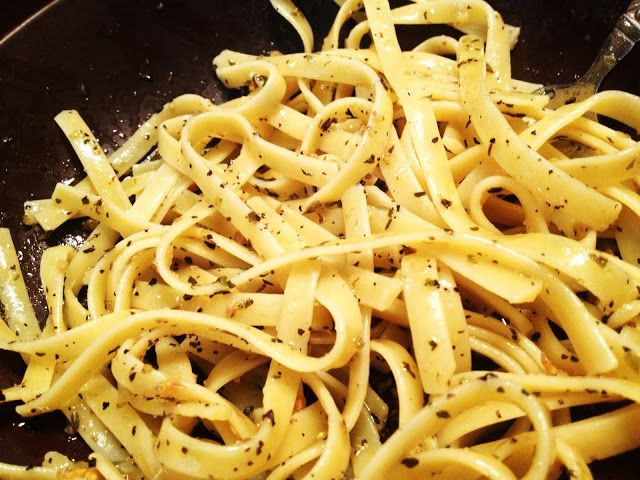 Simple garlic butter sauce for pasta. Delish!