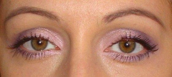Макияж глаз с использованием теней Mac в розово-фиолетовых тонах