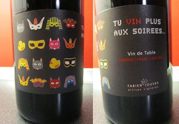 """Tu vin plus aux soirées Il parait qu'il est """"rond, fruité et épicé"""", dans tous les cas il affiche l'un des plus beaux jeux de mots viticoles de l'histoire."""