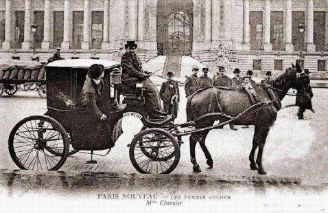 Femme cocher Paris - Les transports individuels en 1900